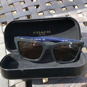 Coach Sunglasses 😎 and Case